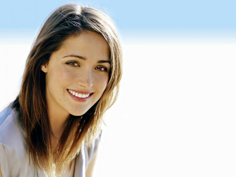 beautiful-smile-of-rose-byrne